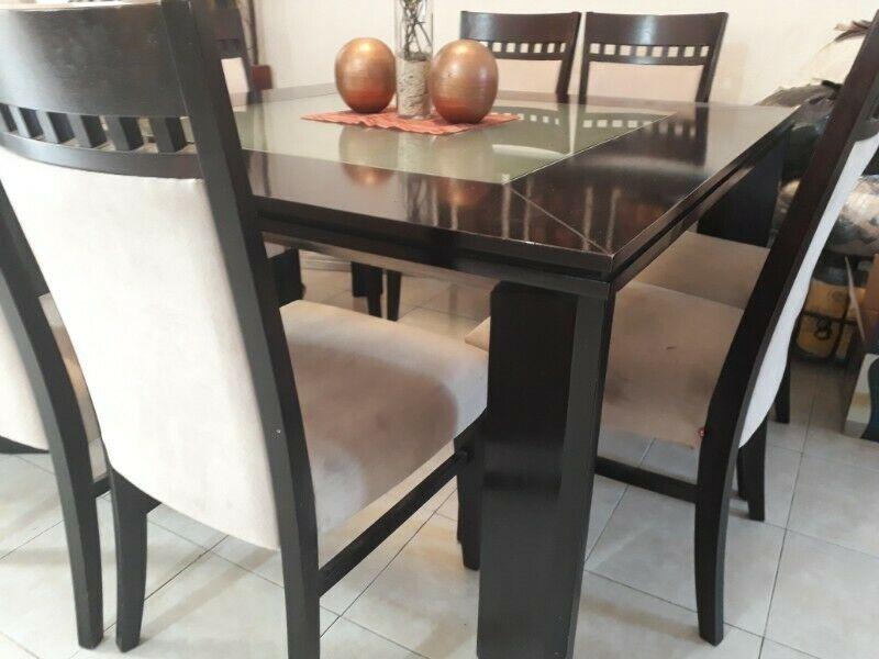 comedor cuadrado madera fina 8 sillas