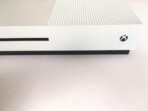 Consola Xbox One S 500 Gb + 2 Juegos Sin Caja