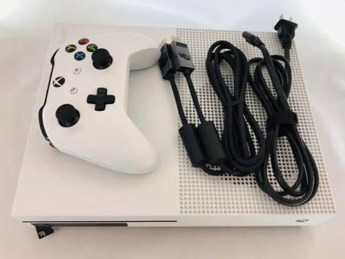 Consola Xbox One Slim Caja Original Y Todos Sus Accesorios