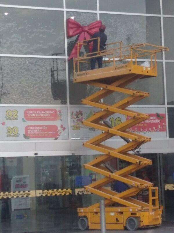 Renta de plataformas de elevacion Genies JLG