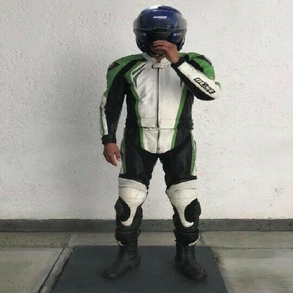 Aprovecha: vendo traje de piel para moto de pista talla 40 y