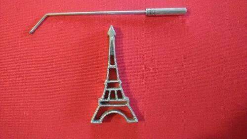 Molde Buñuelo Viento Torre Eiffel Modelo 1 Medida 17x8 Cms