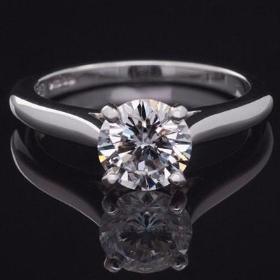 Anillo Con Diamante Cultivado De 50 Pts. En Oro De 18k