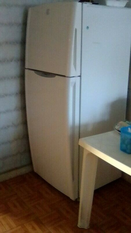 Vendo Refrigerador Marca General Electric y Estufa