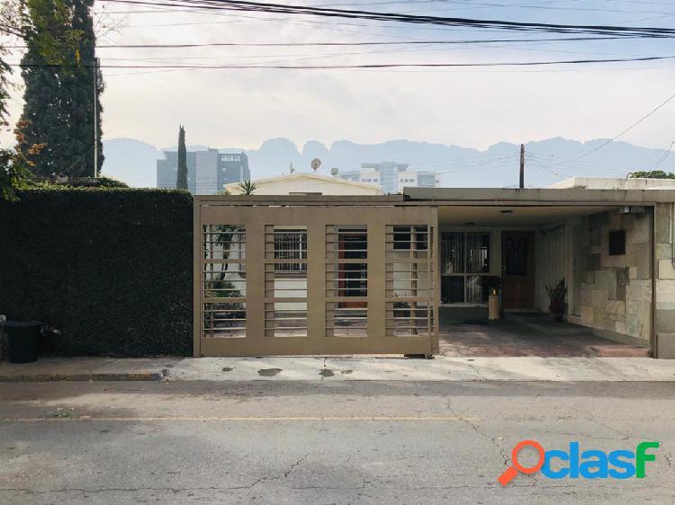 CASA CON USO DE SUELO COMERCIAL EN LA COLONIA DEL VALLLE SAN