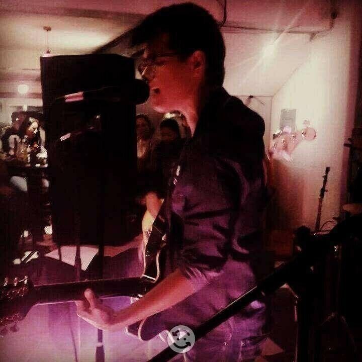 Clases De Guitarra Eléctrica /Acústica A Domicilio