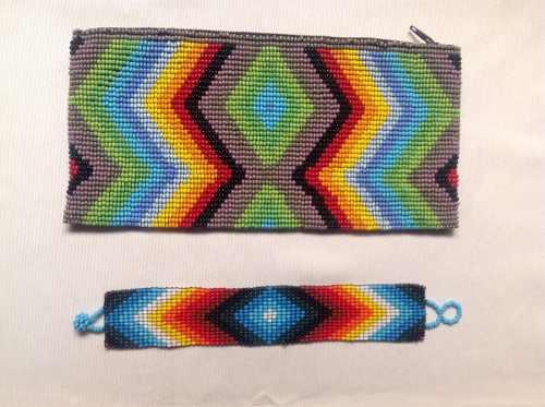 Oferta: Arte Huichol. Juego De Bolso Y Pulsera.