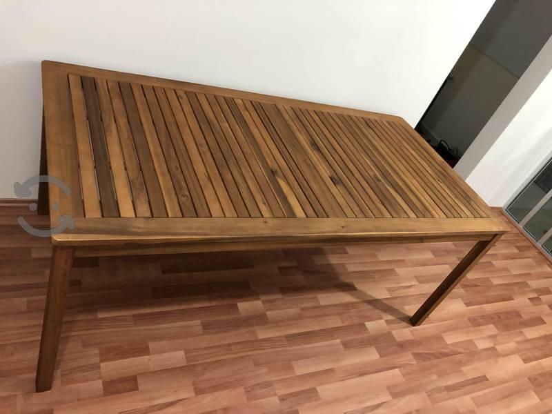 Mesa nueva de madera de acacia