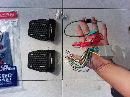 Kit Base Estereo Doble Din Arnes Antena Avenger 2008 A 2014