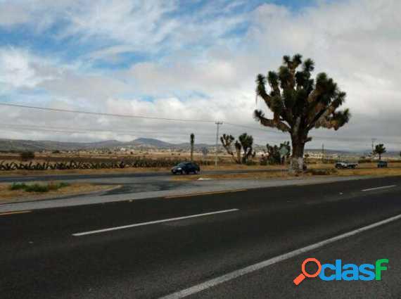 Terreno en Venta 3 Hcts. a Pie de La Carretera Mexico