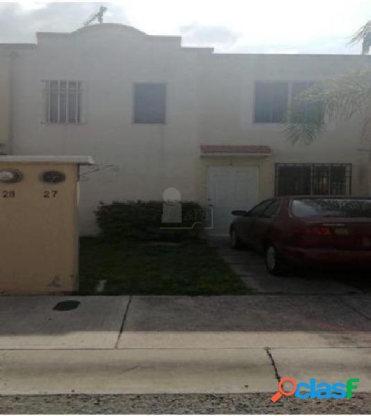Casa en condominio en venta en Rancho Bellavista,