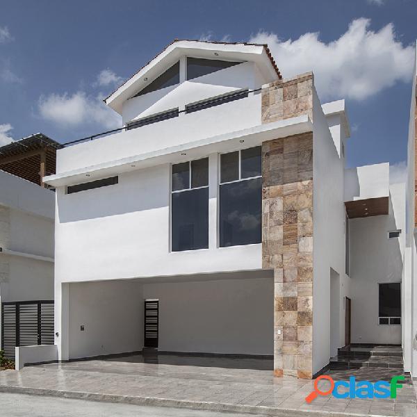 Casa en venta zona sur de Monterrey Valle de Cristal