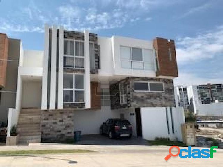Casa en condominio en venta en Lomas del Pedregal, San Luis
