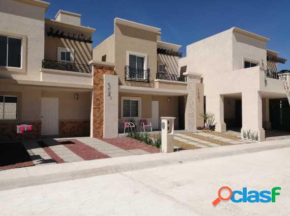 Casas 3 recamaras, 2 y medio baño, balcón, Qavalta