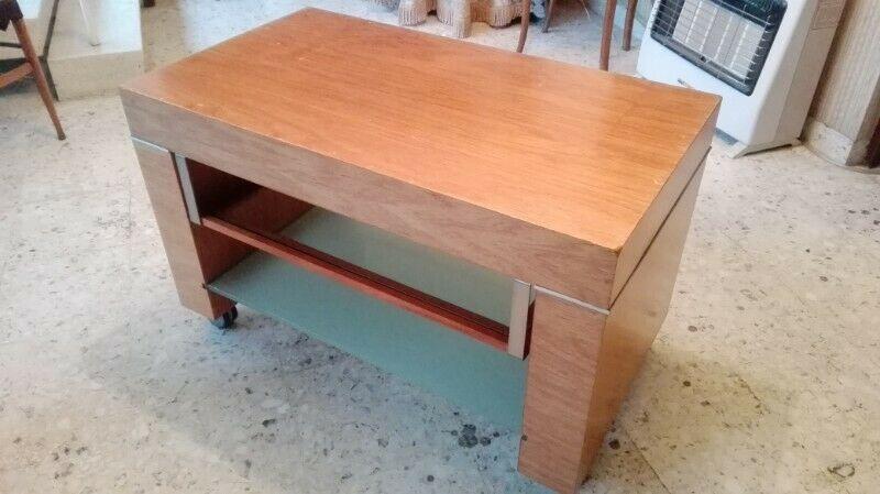 Mesa fina extra fuerte de madera para televisión