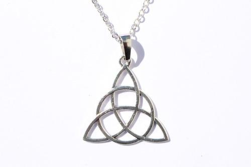 Collar De Trinqueta Con Simbolo Antiguo Celta Amuleto