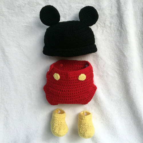 Conjunto Mickey Mouse Tejido Crochet Gorro Pañalero Botas