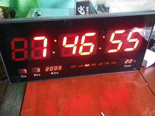 Reloj De Pared Electrónico De Led De 46 Cm Rojo