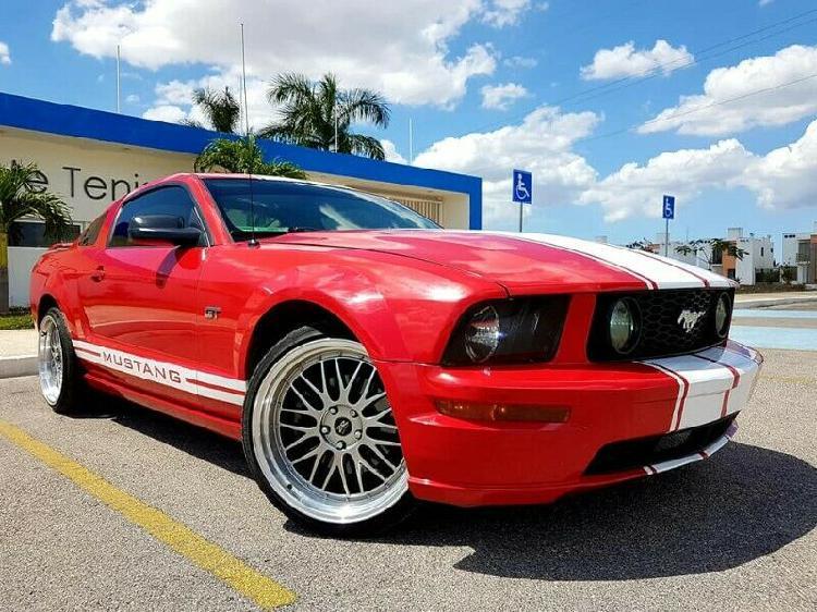 Imponente Mustang GT V8 2006 Conservado, Automatico,