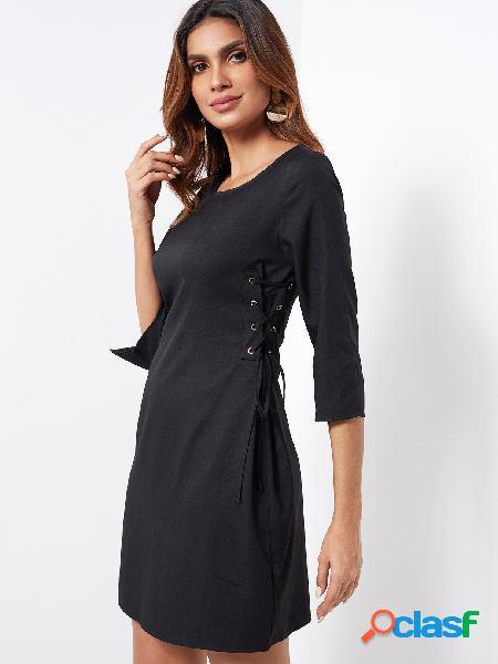 Negro con cordones de diseño liso cuello redondo limo en