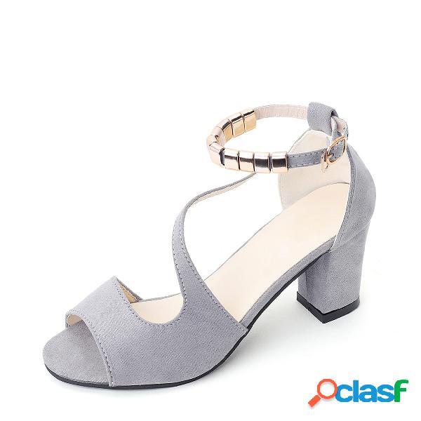 Sandalias de tacón gruesas grises con correa de tobillo
