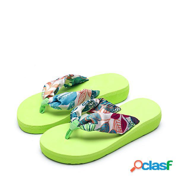 Zapato de playa de seda con diseño impreso en verde