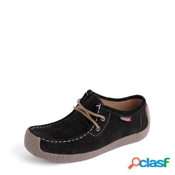 Zapatos de gamuza negros con cordones casuales
