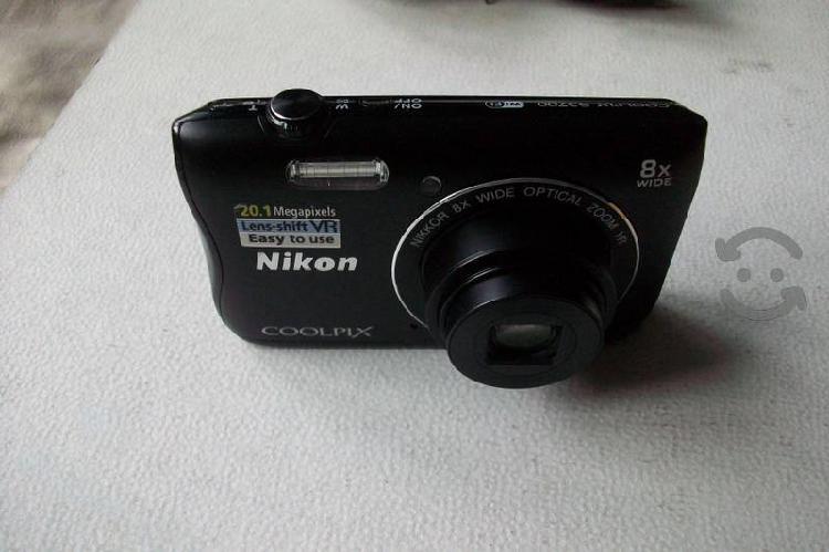 Nikon Coolpix 20.1MP, Wi-Fi como nueva