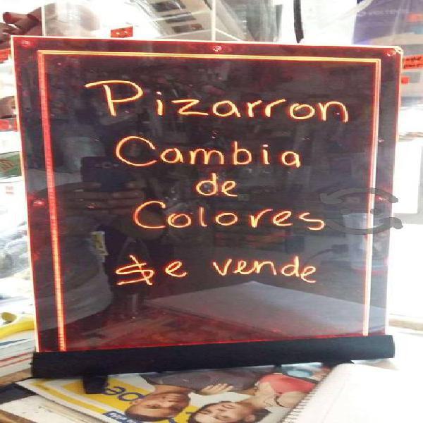 Pizarron cambia de colores