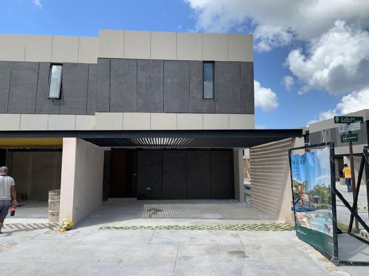 Renta Casa tipo Townhouse 2 recámaras de Lujo en privada