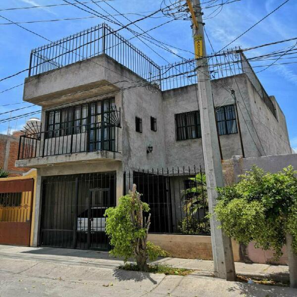 casa en venta con 4 recamaras en villas del pilar