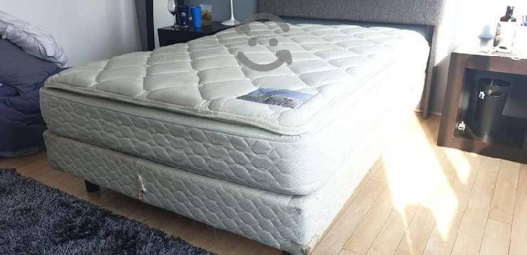 Colchón y base de cama queen spring air, negociabl