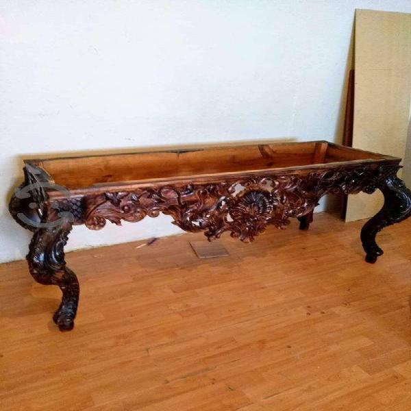 Consoleta tallada en madera de cedro
