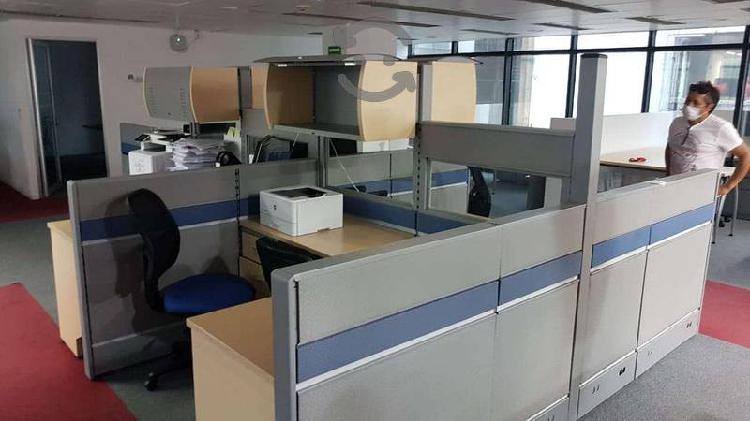 Estación de trabajo para 4 personas