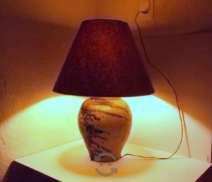 Lámpara de mesa cerámica y pantalla de tela 80s