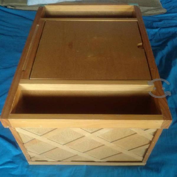 Mesa de madera con revistero multiposicion
