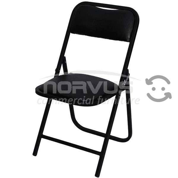 Mesas y sillas para el alquiler
