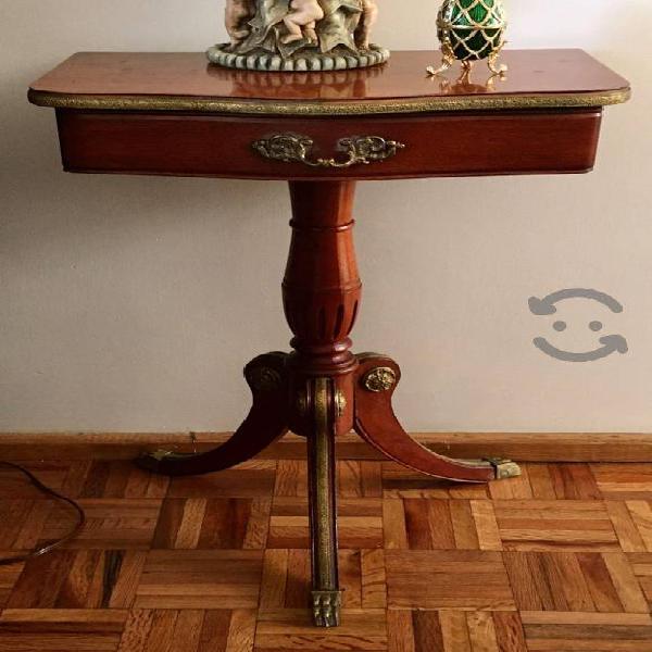 Par de Mesas de Madera Fina. Luis XV