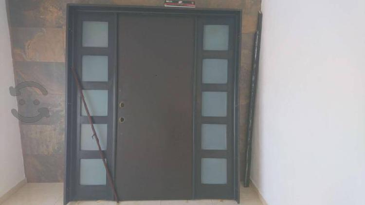 Puerta de acceso principal a casa de 2.10 x 2.20
