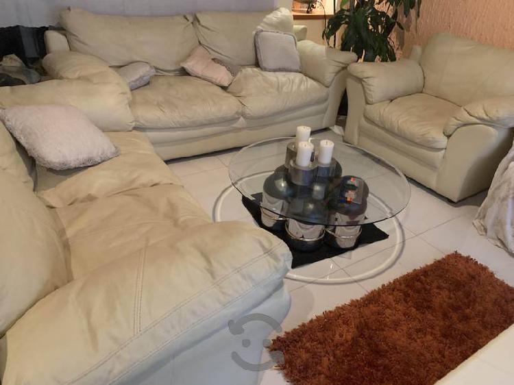 Sala de piel beige