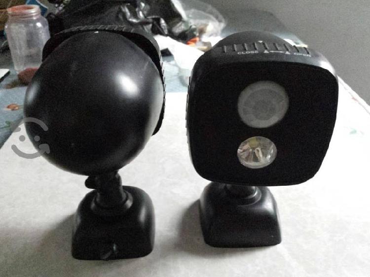 par de lámparas con sensor de movimiento