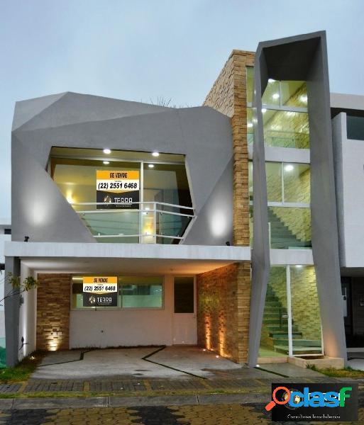 Casa en venta de 3 recamaras en Lomas de Angelopolis 3
