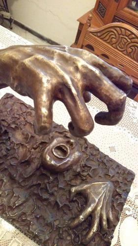 Escultura De Bronce Arte Realista Liberación Antigua