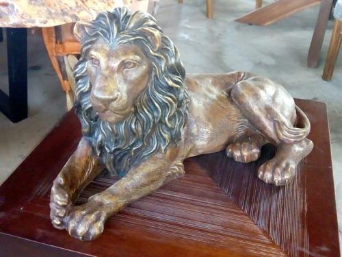Escultura De León En Bronce.