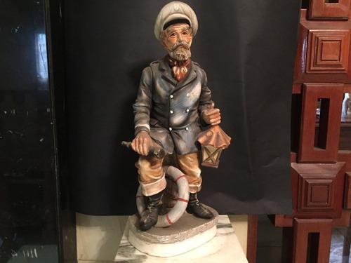 Figura De Porcelana Antigua El Capitan Marinero.