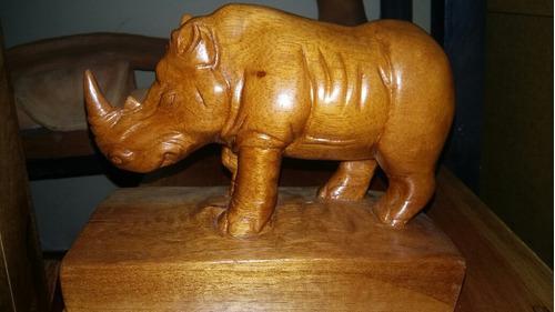 Rinoceronte De Madera De Cedro, Tallado A Mano, Sobrepedido