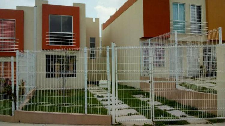 se vende amplia casa de 3 Recamaras con 4.5 mts de frente.