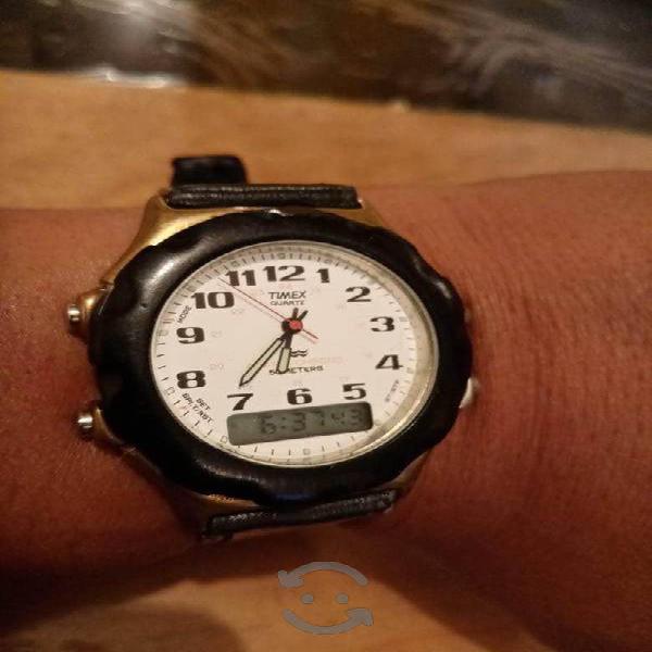 Bello reloj Timex Vintage de acero Dual