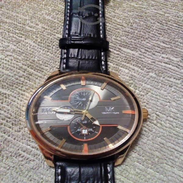 Bonito reloj de caballero nuevo