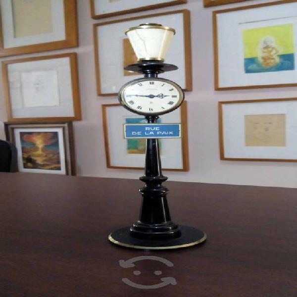 Decorativo Y Exquisito Reloj De Mesa Le Coultre